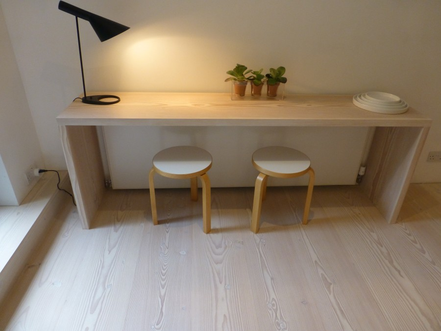 Fitted desk and chairs Dinesen Douglas Fir